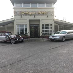 Wedding Cars, Ireland Wedding, Vintage Wine, Limo, Dublin, Modern, Silver, Trendy Tree, Money