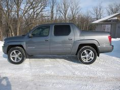like the look of the camaro rims and lift on this ridgeline.