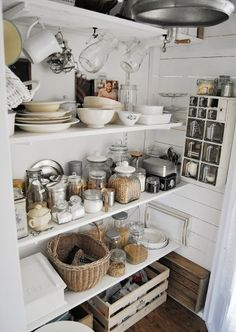 How to Create a Shabby Chic Kitchen – Shabby Chic Talk Kitchen Pantry, New Kitchen, Kitchen Storage, Kitchen Dining, Kitchen Decor, Basement Kitchen, Kitchen Small, Kitchen Island, Cozinha Shabby Chic