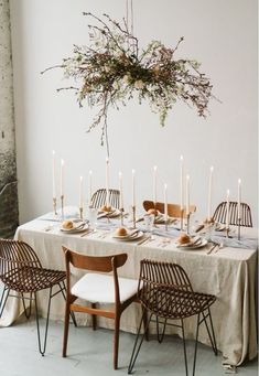 l-e-a-b-o She danced all night.and all the way home. Table Setting Inspiration, Decoration Inspiration, Wedding Inspiration, Decor Ideas, Rustic Table, Deco Table, Floral Centerpieces, Table Centerpieces, Decoration Table
