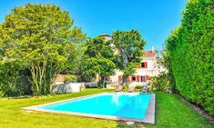 Lift your winter spirits with these 10 holiday villas that sun addicts won't be able to resist Paphos, Paradise On Earth, Winter Sun, Beautiful Villas, Seaside Towns, Lush Garden, New Perspective, Travel Information, Beautiful Buildings
