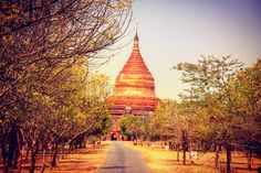 The Dhammayazika Pagoda, one of former 6000 Pagodas of Bagen. Today arround 2000 are left. To grasp these unbeliveable dimmensions, you gotta go there one day. Most Favorite, Countries Of The World, Travel Inspiration, Country, Building, Travel, World Countries, Rural Area, Buildings