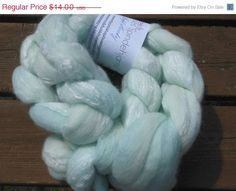 "Christmas in July Merino Bamboo Wool Roving - Hand dyed Spinning - Felt - Feltart - Fibers ""Soft Minty"""