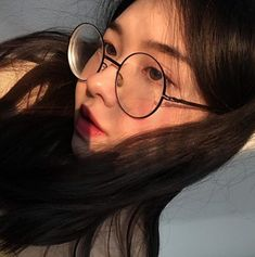 IM GONNA SAY IT AGAIN, Happy international Women's day! 💞 S/O to all my girlies for being amazing and for voicing their opinions and doING… Aesthetic People, Aesthetic Girl, Girl Korea, Ulzzang Korean Girl, Uzzlang Girl, Girls With Glasses, Pretty People, Asian Beauty, Asian Girl