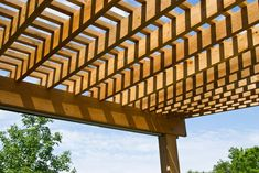 The pergola kits are the easiest and quickest way to build a garden pergola. There are lots of do it yourself pergola kits available to you so that anyone could easily put them together to construct a new structure at their backyard. Cedar Pergola, Curved Pergola, Building A Pergola, Small Pergola, Pergola Attached To House, Pergola With Roof, Pergola Lighting, Wooden Pergola, Gardens