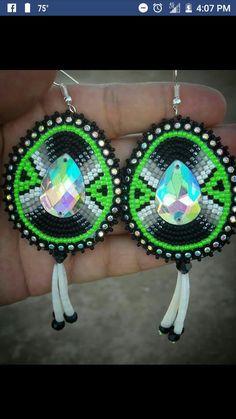 (notitle) Beaded Earrings Native, Beaded Earrings Patterns, Native Beadwork, Beading Patterns, Beaded Necklace, Beading Ideas, Bead Jewellery, Seed Bead Jewelry, Seed Bead Earrings