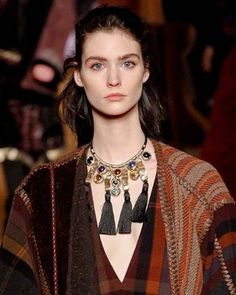 Jewelry Trends: What Accessories to Wear This Fall - Most jewelry for Fall/Winter 2014-2015 have an intricate and artisanal feel, showing off sophisticated details. Check out the most important jewelry trends for fall.