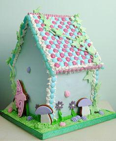 Shabby Gingerbread Birdhouse
