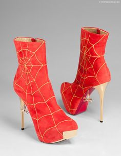 Massimo Dogana cool Spiderman`s ancle boots!