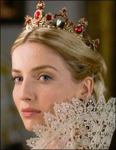 Annabelle Wallis as Queen Jane Seymour in Season 3 of The Tudors. Marie Tudor, Dinastia Tudor, Los Tudor, Tudor Style, Queen Mary, King Queen, Queen Elizabeth, Tudor Costumes, Movie Costumes