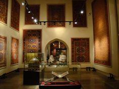 Museum of Turkish And Islamic Arts nel Fatih, İstanbul Museum Displays, Islamic Art, Liquor Cabinet, Ottoman, Mirror, Istanbul Turkey, House, Palace, Furniture
