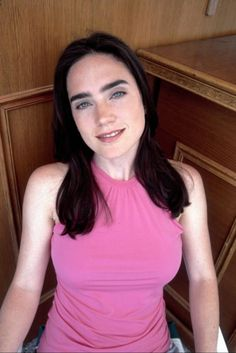 Picture of Jennifer Connelly Beautiful Celebrities, Beautiful Actresses, Jennifer Conolly, Jennifer Connelly Young, Dame Diana Rigg, Jennifer Carpenter, American Actress, Medium Hair Styles, Pretty Woman