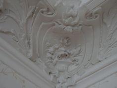 Ceiling corner details.