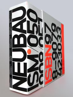 NBISM PREMIUM BOX (signiert & personalisiert) Signiert von Wim Crouwel, Angelique Spaninks (MU Direktor) & Neubau (Gandl/Grünberger) Personalized and limited edition #packaging PD