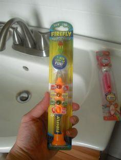 @AkronOhioMoms  reviews Firefly #ReadyGoBrush and Hello Kitty Toothbrush
