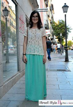 Street Style by Primeriti - maxifalda mint camiseta de encaje http://blog.primeriti.es/street-style/street-style-by-primeriti-maxifalda-mint-y-camiseta-de-encaje/