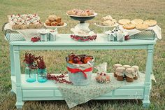 This same idea & color scheme could be done for a Valentine's Day brunch (a friendship brunch) with your girlfriends.