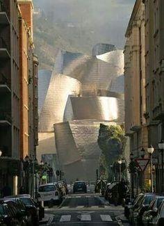 Guggenheim Museu, Bilbao, by Frank Gehry