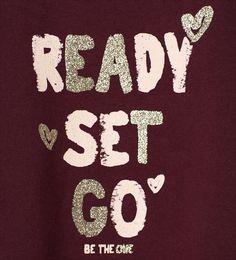Imagem 4 de Sweatshirt aplicações e brilho da Zara Shirt Label, Slogan Tshirt, T Shirt, George Kids, Baby Kids Wear, Clothing Tags, Girls Tees, Embroidery Techniques, Artwork Prints