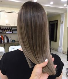 Beautiful cool tones brunette balayage!