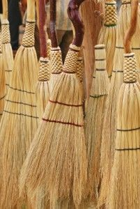 Making Brooms the Old-Fashioned Way