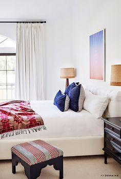 A Reiki healer reveals the seven items that ruin the energy in your bedroom. Here's how to fix it stat and create positive energy instead.