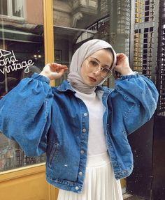 new fashion hijab outfits casual muslim 18 – Hijab Fashion 2020 Modern Hijab Fashion, Street Hijab Fashion, Hijab Fashion Inspiration, Muslim Fashion, Modest Fashion, Fashion Outfits, Modest Outfits, Casual Outfits, Simple Hijab