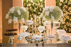 Decoração clássica: mesa de doces Foto: Michel Castro