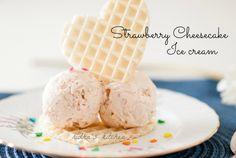 strawberry cheesecake ice cream Make Ice Cream, Ice Cream Maker, Homemade Ice Cream, Cheesecake Ice Cream, Strawberry Cheesecake, Ice Cream Flavors, Ice Cream Recipes, Cupcake Pictures, Dessert Recipes