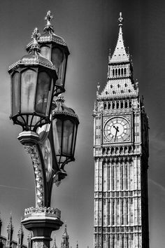 Big Ben from Westminster Bridge Black and White by GaryAlanBoxArt Black And White Picture Wall, Black And White Wallpaper, Black And White Drawing, Black And White Pictures, White Aesthetic Photography, Black And White Photography, Pictures To Draw, Cool Pictures, Day Of Dead Tattoo