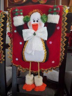 espaldares para sillas de comedor navideños juego por 4 Christmas Decorations, Christmas Ornaments, Holiday Decor, Christmas Stockings, Home Decor, Ideas, Slipcovers For Chairs, Life Motivation, Christmas Crafts