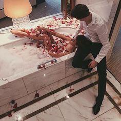 Ideas for bath romantic couple relationship goals Rich Couple, Love Couple, Perfect Couple, This Is Your Life, Love Life, Romantic Couples, Cute Couples, Romantic Bath, Romantic Cuddling