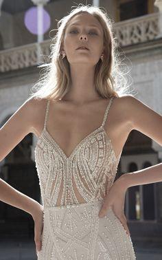 Alon Livne 2017 Bridal Collection - The Wedding Notebook magazine Kate Wedding Dress, Fitted Wedding Gown, Beautiful Wedding Gowns, Dream Wedding, 2017 Bridal, Dream Dress, Bridal Collection, Spring Outfits, Bridal Dresses