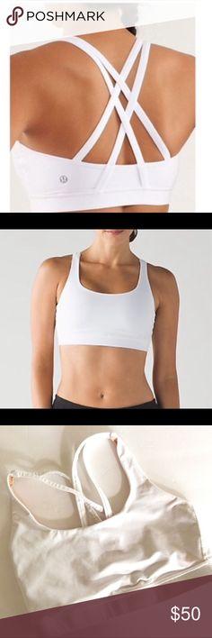 166f91f523f77 LULULEMON ENERGY BRA SIZE 6 STRAPPY BACK EUC Lululemon Energy sports bra.  Perfect for yoga