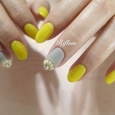 Different color but pretty! Gorgeous Nails, Love Nails, Fun Nails, Pretty Nails, Creative Nail Designs, Creative Nails, Nail Art Designs, Nails Design, Emoji Nails