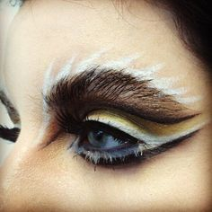 Fantasy eye make-up by Pat McGrath Fx Makeup, Makeup Inspo, Makeup Inspiration, Makeup Ideas, Bird Makeup, Tiger Makeup, Punk Makeup, Gothic Makeup, Eyeliner Makeup