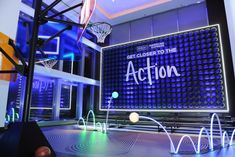 How Hilton and American Express Wowed Influencers at a Kickoff Event Interactive Installation, Installation Art, Exibition Design, Pos Display, Neon Lighting, Event Lighting, Lighting Design, Work Inspiration, Wedding Inspiration