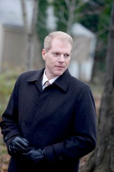 Noah Emmerich -- seen him in...White Collar; Monk; Frequency; The West Wing; The Truman Show