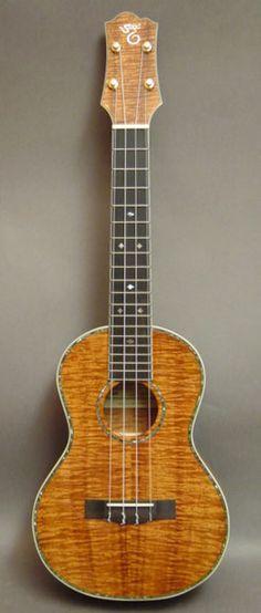 Santa Cruz Guitar Company all Koa ukulele