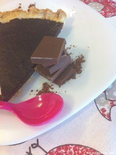 Tarta de chocolate sencilla (con masa quebrada)
