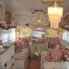 Shabby Chic Camper... Saw this and had to share! I can see our Vernal husbands camping in this. Lol