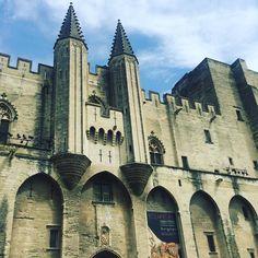 Il aurait fait un parfait décor de Game of Thrones le Palais des papes #avignon