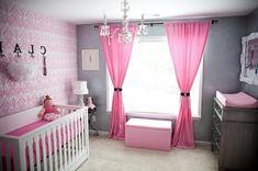 rosige gardinen und gläserner kronleuchet im babyzimmer - 45 auffällige Ideen – Babyzimmer komplett gestalten