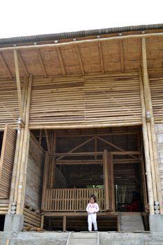 Convento House built using rainforest wood and bamboo |  Enrique Mora Alvarado
