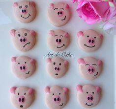 Pig macarons, so cute!!! perfect for a pig party cake or a farmyard partyArt de Cake - Lisa Steuerwald