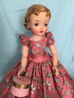 Old Dolls, Antique Dolls, Vintage Dolls, Fashion Dolls, Girl Fashion, Childrens Dolls, Vintage Madame Alexander Dolls, Green Gown, Pin Up Hair