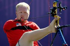This is Matt Stutzman. He's a 29-year-old American paralympic archer from Kansas who was born without arms