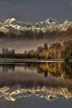 Lake Mathieson, Westland, New Zealand #traveltheworld #lakemathiesonNZ