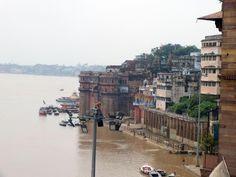 Hindistan, Nepal Turu Gün :1 - Hindistan'a varış ve Varanasi:http://gezmeyiseveriz.biz/hindistan-nepal-turu-gun-1-hindistana-varis-ve-varanasi/