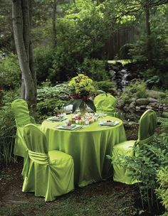 you don't need a wedding to have this kind of celebration, celebrate friendship or create a green tea party. Outdoor Rooms, Outdoor Dining, Outdoor Gardens, Garden Types, Meadow Garden, Dream Garden, Boho Home, Outdoor Entertaining, Green Wedding
